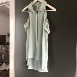 Tops - Off the shoulder pale green top